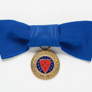 Chaîne-Bow-Medallion-blue