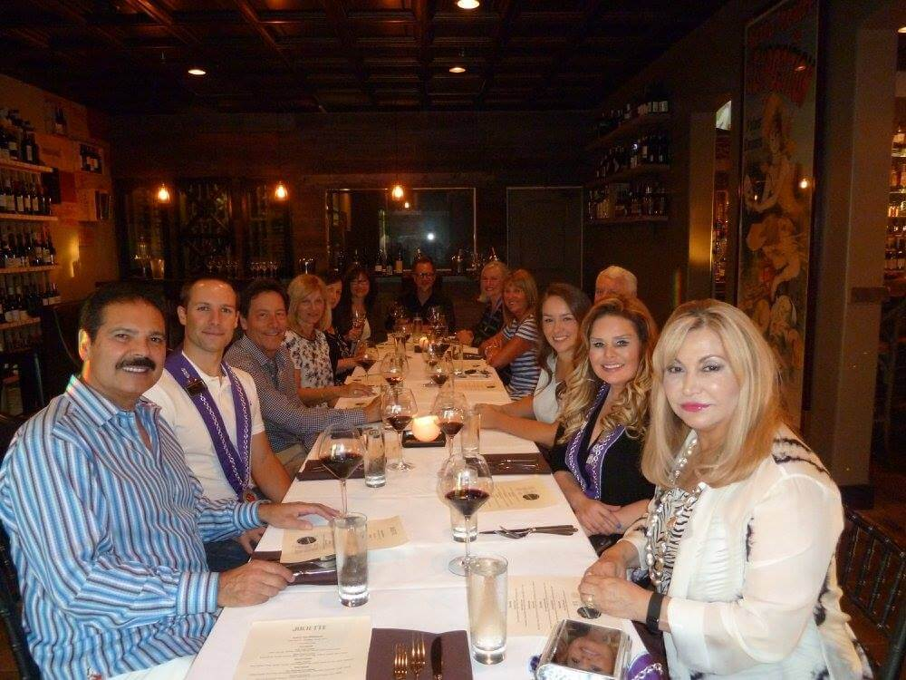 newport-beach-gathering-friends